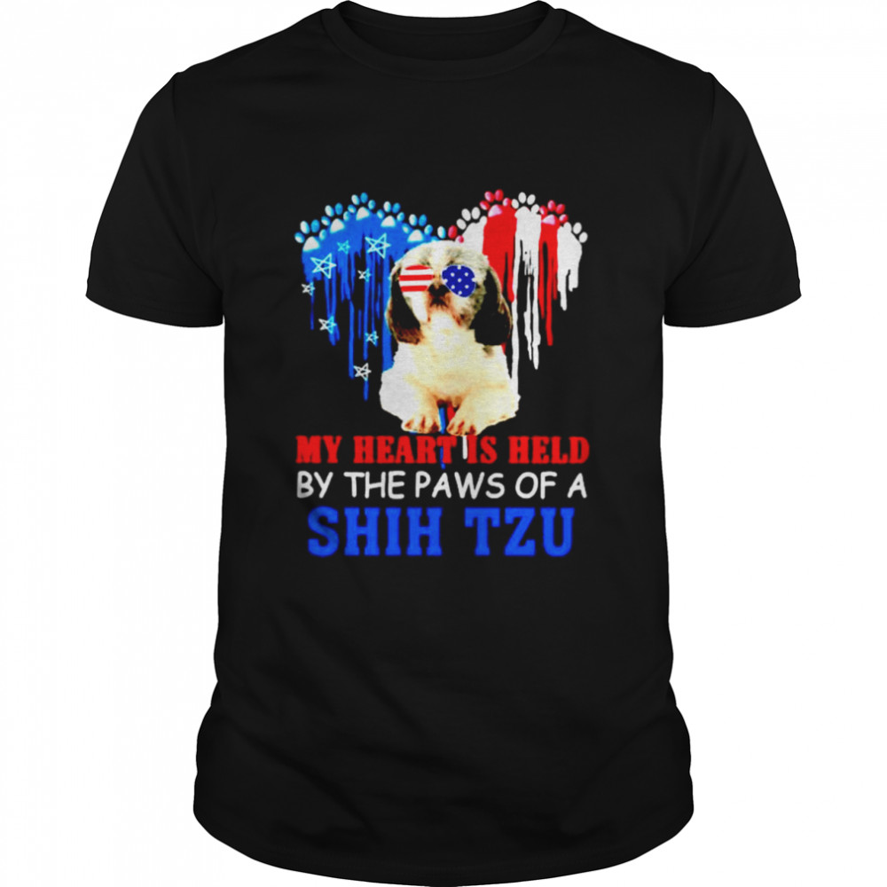 My heart is held by the paws of a Shih Tzu shirt Classic Men's
