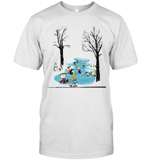 Winter Snoopy Peanuts Playing Snow Xmas shirt Classic Men's