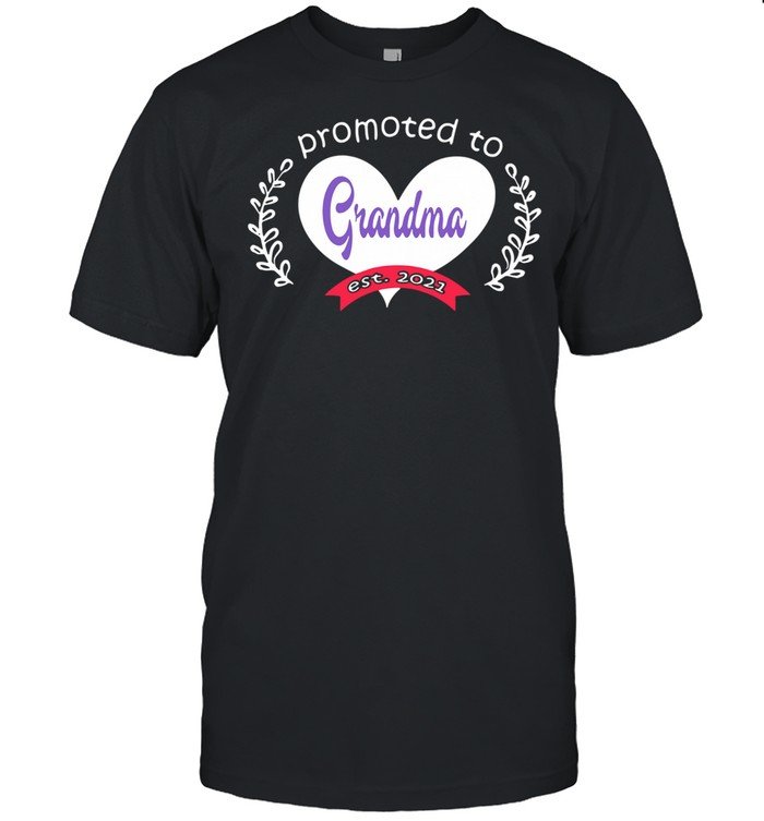 Heart promoted to grandma est 2021 shirt Classic Men's T-shirt