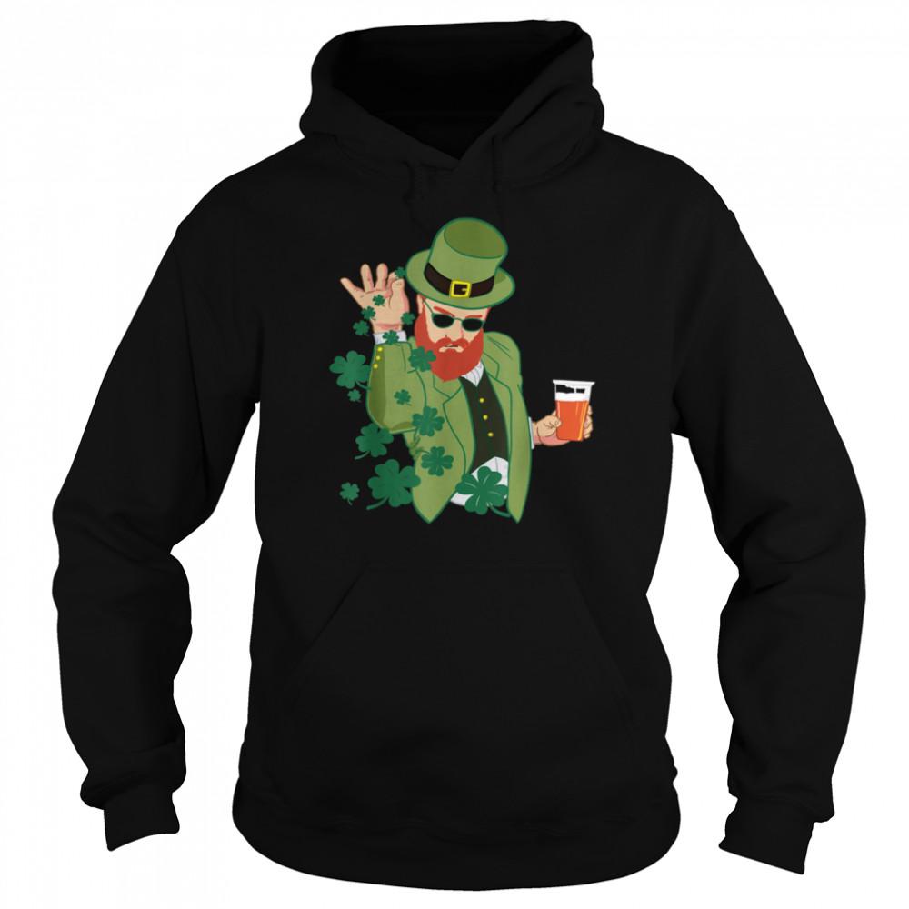 Leprechaun throwing shamrocks shirt Unisex Hoodie
