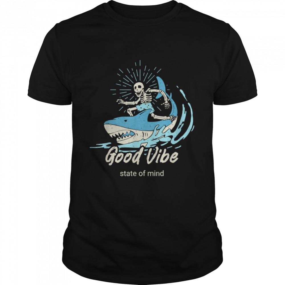 Good Vibes Surfing with Shark Beach Vintage shirt Classic Men's T-shirt